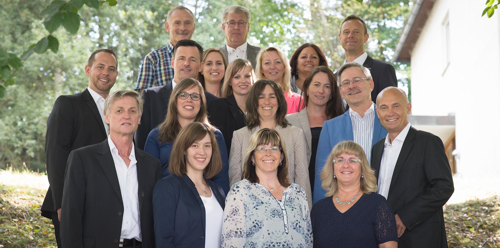 Gruppenfoto Mitarbeiter der Kondrauer Mineral- und Heilbrunnen GmbH & Co. KG