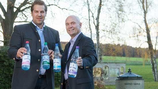 Wassersommeliers und Geschäftsführer Jonas Seidl und Ralf Brodnicki   Kondrauer Mineral- und Heilbrunnen